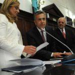 A un mes de las elecciones, el gobernador y la vicegobernadora mendocina se fueron al exterior